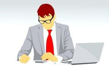 оформляет заявку на онлайн кредит к Хоум Кредит