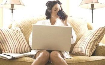 дома за компьютером - заказ кредита онлайн